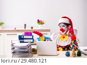 Купить «Funny clown in Christmas celebration concept», фото № 29480121, снято 20 июля 2018 г. (c) Elnur / Фотобанк Лори