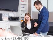 Купить «Manager scolding frustrated salesgirl», фото № 29492193, снято 9 апреля 2018 г. (c) Яков Филимонов / Фотобанк Лори