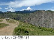 Автомобиль на перевале Кату-Ярык. Республика Алтай. Стоковое фото, фотограф Free Wind / Фотобанк Лори