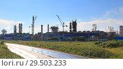 Купить «Panoramic view of  the chemical plant», фото № 29503233, снято 14 июля 2016 г. (c) Дмитрий Воробьев / Фотобанк Лори
