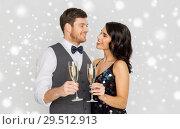 Купить «happy couple with champagne celebrating christmas», фото № 29512913, снято 15 декабря 2017 г. (c) Syda Productions / Фотобанк Лори