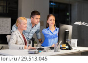 Купить «business team with computer working late at office», фото № 29513045, снято 6 декабря 2017 г. (c) Syda Productions / Фотобанк Лори