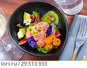 Купить «Ceviche of salmon with avocado, cumquat, kiwi fruit, figs», фото № 29513933, снято 21 октября 2019 г. (c) Яков Филимонов / Фотобанк Лори
