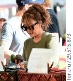 Купить «Carrie Ann Inaba goes to the Farmers Markey with family and friends Featuring: Carrie Ann Inaba Where: Los Angeles, California, United States When: 15 Apr 2018 Credit: WENN.com», фото № 29515873, снято 15 апреля 2018 г. (c) age Fotostock / Фотобанк Лори