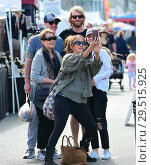 Купить «Carrie Ann Inaba goes to the Farmers Markey with family and friends Featuring: Carrie Ann Inaba Where: Los Angeles, California, United States When: 15 Apr 2018 Credit: WENN.com», фото № 29515925, снято 15 апреля 2018 г. (c) age Fotostock / Фотобанк Лори