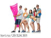 Купить «happy friends with beach and summer accessories», фото № 29524301, снято 30 июня 2018 г. (c) Syda Productions / Фотобанк Лори