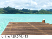 Купить «wooden pier on tropical beach in french polynesia», фото № 29546413, снято 16 февраля 2018 г. (c) Syda Productions / Фотобанк Лори
