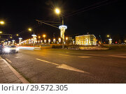 Купить «Stone Bridge near Kremlin (at night)-- the most popular view of Moscow, Russia», фото № 29572305, снято 24 марта 2018 г. (c) Владимир Журавлев / Фотобанк Лори