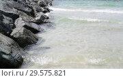 Купить «Fragment of shallow waters of Persian Gulf from the UAE coast», видеоролик № 29575821, снято 6 апреля 2018 г. (c) Володина Ольга / Фотобанк Лори