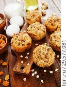 Купить «Diet oat muffins with raisins», фото № 29577081, снято 1 апреля 2018 г. (c) Надежда Мишкова / Фотобанк Лори