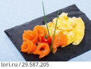 Купить «Omelette with smoked salmon», фото № 29587205, снято 19 декабря 2018 г. (c) Яков Филимонов / Фотобанк Лори