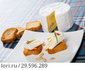 Купить «Canape with soft blue cheese», фото № 29596289, снято 23 марта 2019 г. (c) Яков Филимонов / Фотобанк Лори