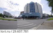 Купить «Сургут. Центр города. Surgut. City center building.», видеоролик № 29607781, снято 30 июня 2015 г. (c) Евгений Романов / Фотобанк Лори