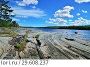 Купить «Beautiful rocky shore of the White sea. Bay Chupa, Karelia, Russia», фото № 29608237, снято 10 августа 2018 г. (c) Сергей Трофименко / Фотобанк Лори