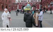 Actors disguised as Tsar and Lenin (2018 год). Редакционное видео, видеограф Потийко Сергей / Фотобанк Лори