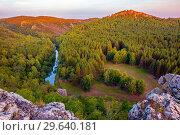 Купить «Scenic view from the top of the Ural taiga. Bashkortostan.», фото № 29640181, снято 1 сентября 2018 г. (c) Акиньшин Владимир / Фотобанк Лори