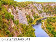 Купить «Top view of the rocky shore of the river. The nature of the Urals.», фото № 29640341, снято 6 сентября 2018 г. (c) Акиньшин Владимир / Фотобанк Лори