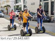 Купить «Florida, Miami Beach, Segway Segways, man, woman, riding,», фото № 29643681, снято 21 ноября 2018 г. (c) age Fotostock / Фотобанк Лори