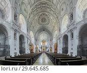Купить «Интерьер церкви Святого Михаила в Мюнхене, Германия», фото № 29645685, снято 30 мая 2017 г. (c) Михаил Марковский / Фотобанк Лори