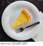 Купить «Slice of homemade cheesecake», фото № 29647257, снято 16 октября 2018 г. (c) Яков Филимонов / Фотобанк Лори