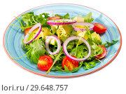 Купить «Plate of low calorie salad with avocado», фото № 29648757, снято 16 января 2019 г. (c) Яков Филимонов / Фотобанк Лори
