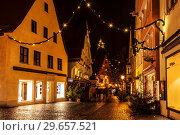 Nordlingen before Christmas at night. Bavaria, Germany (2012 год). Редакционное фото, фотограф Наталья Волкова / Фотобанк Лори