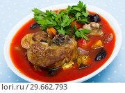 Купить «Tomato soup with lamb», фото № 29662793, снято 16 августа 2018 г. (c) Яков Филимонов / Фотобанк Лори