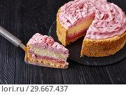 Купить «raspberry layered cheesecake, top view, close up», фото № 29667437, снято 30 декабря 2018 г. (c) Oksana Zh / Фотобанк Лори