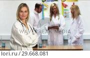 Купить «Medical doctors at work», видеоролик № 29668081, снято 22 февраля 2019 г. (c) Wavebreak Media / Фотобанк Лори