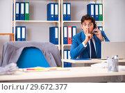 Купить «Employee stealing important information in industrial espionage», фото № 29672377, снято 10 августа 2018 г. (c) Elnur / Фотобанк Лори