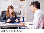 Купить «Man and woman discussing in office», фото № 29675681, снято 31 июля 2018 г. (c) Elnur / Фотобанк Лори