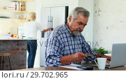 Купить «Senior man doing online shopping», видеоролик № 29702965, снято 24 марта 2017 г. (c) Wavebreak Media / Фотобанк Лори