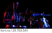 Купить «Female drummer playing on drum set 4k», видеоролик № 29703541, снято 7 марта 2017 г. (c) Wavebreak Media / Фотобанк Лори