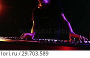 Купить «Man playing electronic keyboard 4k», видеоролик № 29703589, снято 7 марта 2017 г. (c) Wavebreak Media / Фотобанк Лори