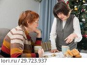 Купить «Adult woman quarreling with elderly mother», фото № 29723937, снято 19 марта 2019 г. (c) Яков Филимонов / Фотобанк Лори
