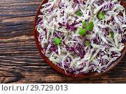 Malfouf Salad, Lebanese Cabbage Slaw,macro. Стоковое фото, фотограф Oksana Zh / Фотобанк Лори