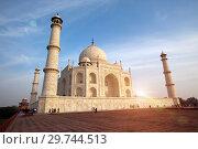Купить «Taj Mahal in Agra, Uttar Pradesh, India», фото № 29744513, снято 28 января 2014 г. (c) Куликов Константин / Фотобанк Лори