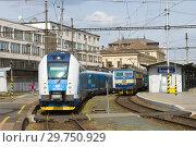 Купить «Солнечный апрельский день на Главном железнодорожном вокзале Брно. Чехия», фото № 29750929, снято 24 апреля 2018 г. (c) Виктор Карасев / Фотобанк Лори