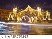 Купить «Christmas (New Year holidays) decoration in Moscow (at night), Russia. Lubyanskaya (Lubyanka) Square.», фото № 29750985, снято 13 января 2019 г. (c) Владимир Журавлев / Фотобанк Лори