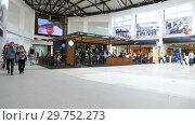 Купить «Starbucks cafe interior in Samara shopping center Kosmoport», видеоролик № 29752273, снято 15 сентября 2019 г. (c) FotograFF / Фотобанк Лори