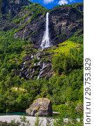 Giant Rjoandefossen waterfall by the Flam to Myrdal Railway Line Norway (2017 год). Стоковое фото, фотограф Алексей Ширманов / Фотобанк Лори