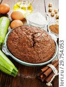 Купить «Zucchini cake with cocoa powder», фото № 29754053, снято 16 октября 2018 г. (c) Надежда Мишкова / Фотобанк Лори