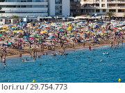 Купить «Beach of Tossa de Mar», фото № 29754773, снято 17 августа 2017 г. (c) Яков Филимонов / Фотобанк Лори
