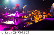 Купить «Sergey Mikhalok in concert hall Sala Apolo», фото № 29754853, снято 22 ноября 2018 г. (c) Яков Филимонов / Фотобанк Лори