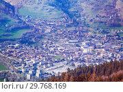 Купить «Scenic view of Tarentaise valley in Savoie, France», фото № 29768169, снято 30 марта 2017 г. (c) Сергей Новиков / Фотобанк Лори