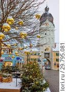 """Эрдинг (Erding). Германия. """"Красивая башня"""" (Schöner Turm). Зима (2017 год). Редакционное фото, фотограф Галина Савина / Фотобанк Лори"""