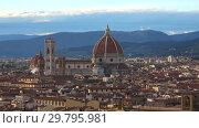 Купить «Вид на купол собора Санта Мария дель Фьоре в сентябрьские сумерки. Флоренция, Италия», видеоролик № 29795981, снято 19 сентября 2017 г. (c) Виктор Карасев / Фотобанк Лори
