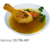 Купить «Bowl of homemade chicken bouillon», фото № 29796481, снято 21 июля 2019 г. (c) Яков Филимонов / Фотобанк Лори