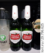 Купить «Moscow, Russia - January 21. 2019. Stella Artois - Belgian Beer at Pyaterochka Store», фото № 29796625, снято 21 января 2019 г. (c) Володина Ольга / Фотобанк Лори
