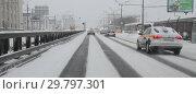 Купить «Москва, зимняя дорога в сторону центра», эксклюзивное фото № 29797301, снято 27 января 2019 г. (c) Дмитрий Неумоин / Фотобанк Лори